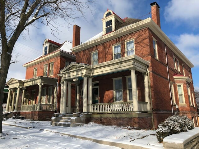 the charles bed and breakfast st joseph mo
